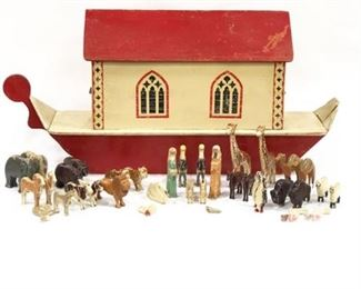 Lot 009 Edwardian Large Noah's Ark with Figurines England Early 20th Century