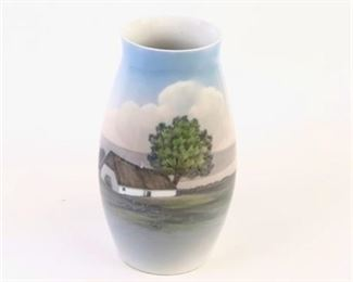 Lot 006 Bing & Grohdahl Vase 'Scenery with Farm' 8790-247