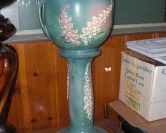 Roseville Foxglove jardiniere and pedestal
