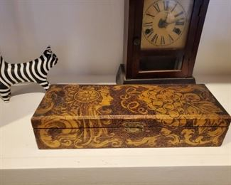 Flemmish wood box