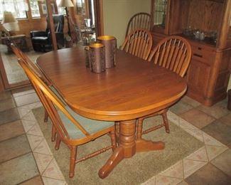 Richardson Brother's oak table and chairs