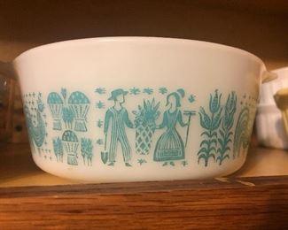 Pyrex casserole bowls