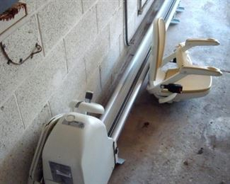Acorn stair lift, hardly used. includes remotes and manuals.
