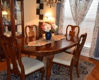Cherry Dining Table with 4 Chairs