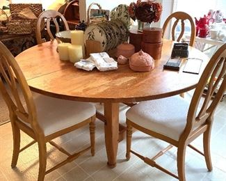 """Large 64"""" round kitchen table w/6 chairs - center of the table has a built in Lazy Susan"""