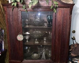 Small vintage glass-door display cabinet with arched top (no key)