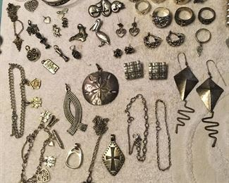 Everything in this picture is JAMES AVERY!!!