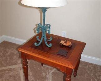 Hammond end table, lamp