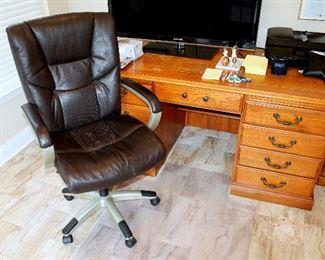 Oak desk, desk chair