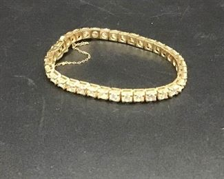 001 Diamond Tennis Bracelet on 14K Yellow Gold Band with COA