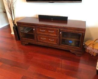 Flat screen TV stand
