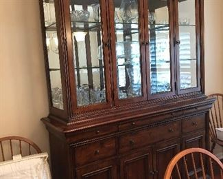 Beautiful cabinet .. 2 pieces