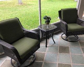 3 piece patio set, rugs also
