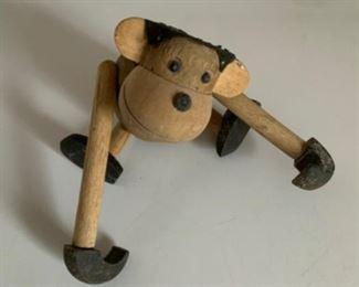 Little monkey carving