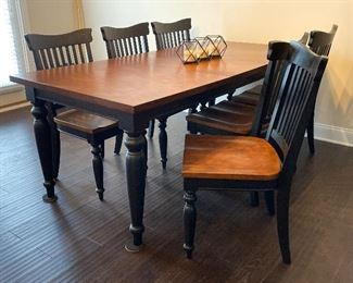 Alternate view of table and chairs