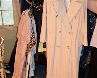 Saks Fifth Avenue Regency pure Cashmere Coat
