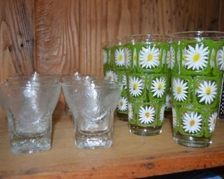 highball glasses; vintage daisy glasses