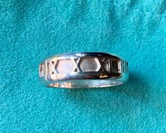 "$155 Tiffany ""Atlas"" men's ring Size 8 With bag 5.5g"