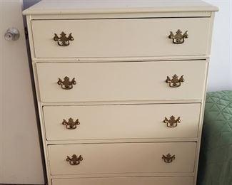 Dresser  $70