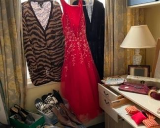 Dresses and shoes size 12 and 13 women's