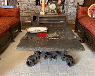 Vintage Coffee Table $75  **CALL (847) 630-1009 TO PURCHASE**