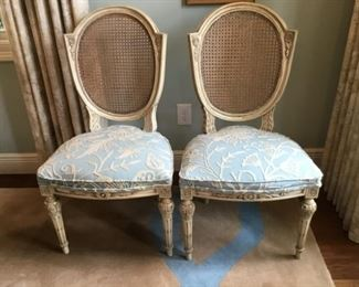 $795 - Set of 6 a french style chairs & 2 armchairs