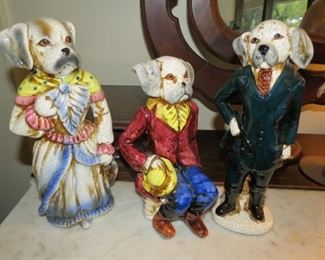Huntsman hound dog statues.