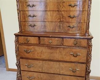 VICTORIAN HI BOY DRESSER WITH CARVED DETAILS