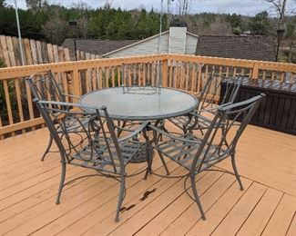 Outdoor patio set, It does have cushions in the brown box that come with it. $200