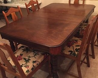 Vintage Gate Leg Dining Table w/6 Upholstered Chairs