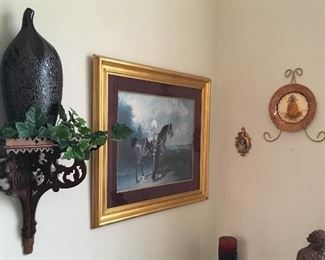 NICE WALL DECOR & ART SCATTERED THROUGHOUT THIS FINE HOME.