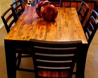 Expandable Dining Table w/ 6 Chairs