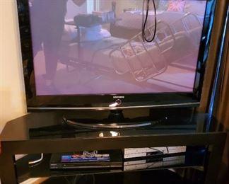 Samsung Flat Screen TV; Electronics