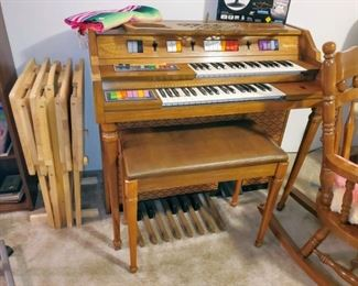Kimball Aquarius organ with bench and TV trays