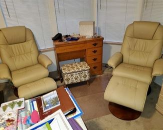 2 Swivel Reclining Chairs with Foot Stools