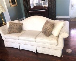 $425 White Camel back upholstered sofa~ Perfect condition