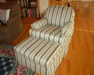 Ethan Allen cushioned rocking/rotating chair