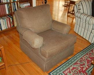 Ethan Allen cushioned chair
