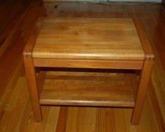 """Small Oak side table, 18""""W x 12""""D x 23"""" H"""