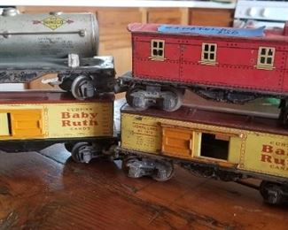 lot 3  4 tin litho Lionel Lines  car  used condition  $30 shipping available