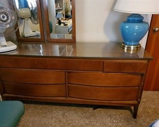 Very nice modern style bedroom dresser with mirror