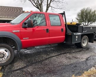 2006 F450 XLT 6.0 321,000 miles, 55,000 on New Ford Crate Motor, one owner