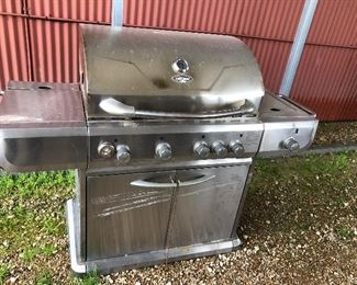 UniFlame Gold Grill, excellent condition