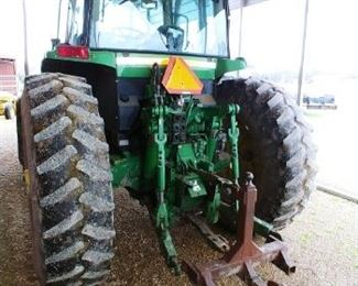 John Deere 7210 tractor, comes with bucket, 9000 hrs.