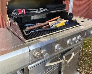 UniFlame Gold Gas Grill