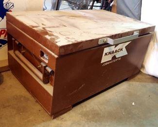 """Knaack Job Master 32 Metal Job Box, 16"""" x 32"""" x 21"""""""