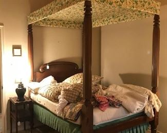 Antique 4 poster bed