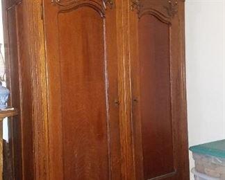 Antique oak bedroom set. Excellent condition