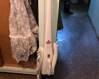 Bissell floor and carpet vac