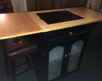 I forget details about this nice, clean, cabinet :(